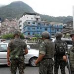 Rio de Janeiro - Soldaten während einem Einsatz in Rocinha  Bild (Ausschnitt): © Agência Brasil - Wikimedia Commons