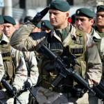 Mitglieder der argentinischen Streitkräfte. | Bild (Ausschnitt): © Ea11999 - Wikimedia Commons
