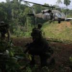 Antidrogen-Einheit Das Projekt zwischen Kolumbien und des UNODC könnte gezielt die Koka-Plantagen aus dem Weg räumen. | Bild (Ausschnitt): © Policía Nacional de los colombianos  [CC BY-SA 2.0]  - Flickr