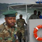 Ruanda Männer des Militärs auf Drogenpatrouille im Westen Ruandas | Bild (Ausschnitt): © TORCH MAGAZINE [CC BY-NC 2.0]  - flickr