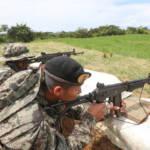 Peruanisches Militär und Peruanische Nationalpolizei (PNP) kämpfen gemeinsam gegen die Drogenwirtschaft  | Bild (Ausschnitt): © Galeria del Ministerio de Defensa  [CC BY 2.0]  - flickr